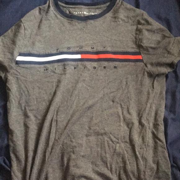 c6134218 Tommy Hilfiger T shirt Signature Logo. M_5aee2910331627f55f8a22f6